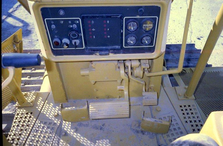 1995 Cat D4H XL Crawler Dozer in Novi, Michigan, United