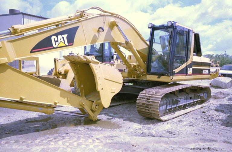 1998 Cat 325BL Track Excavator in Milford, Massachusetts, United