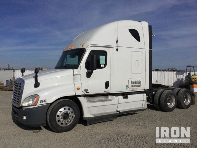 2012 Freightliner Cascadia 125 T/A Sleeper Truck Tractor in