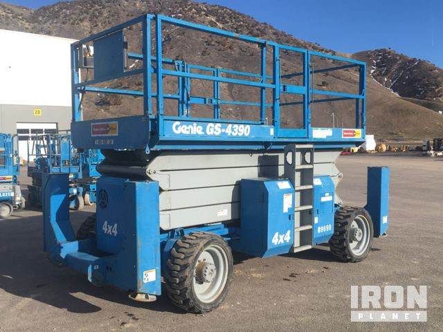 2003 Genie GS-4390 4WD Diesel Scissor Lift in Pocatello, Idaho