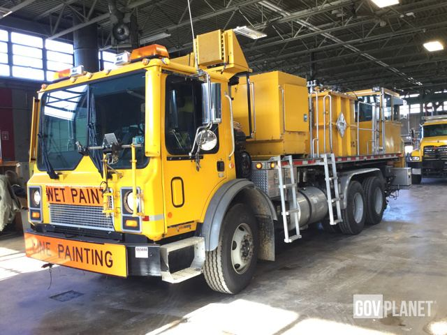2001 Mack MR688S Paint Striping Truck - 170-9076 in