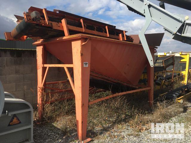 Feeder Hopper And Conveyor