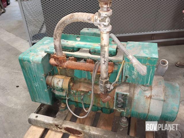 Onan Natural Gas Electric Generator 12 5 JC 3CR31/13AA in