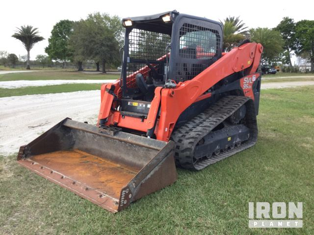 2016 Kubota SVL95-2S Compact Track Loader in Fort Pierce, Florida
