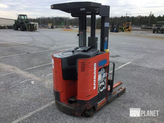 Surplus Raymond EASI R30TT Electric Forklift In Fort Meade