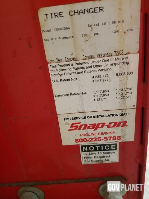 Snap-On EEWH300A Tire Changer in State College, Pennsylvania