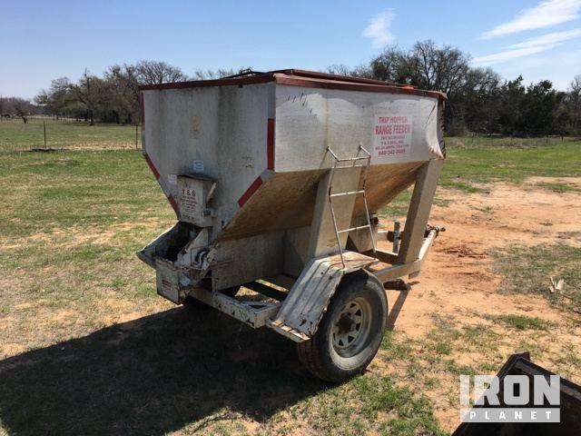 T & S Trip Hopper Range Feeder in Stephenville, Texas