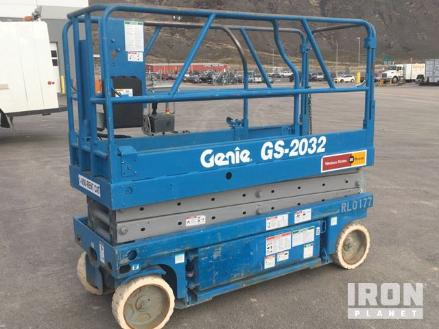 Genie GS-2032 Electric Scissor Lift in Pocatello, Idaho, United