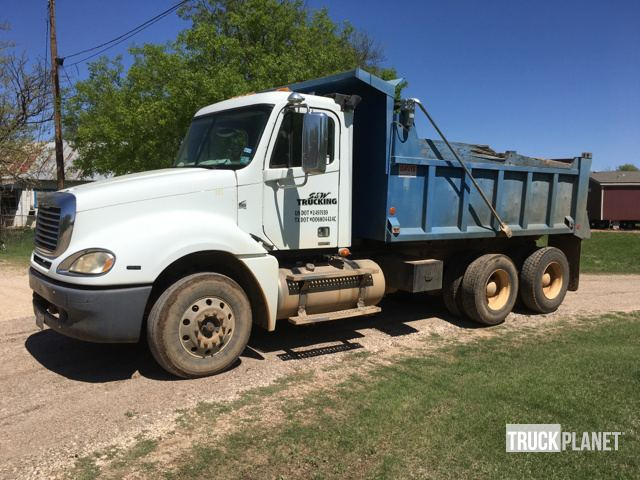 2007 Freightliner Columbia T/A Dump Truck in Walnut Springs, Texas