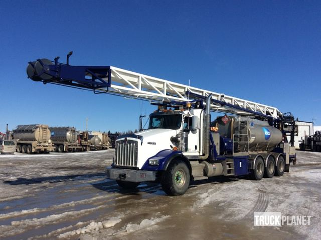 2014 Kenworth T800 Tri-Drive Flush-By Rapid Service Rig in
