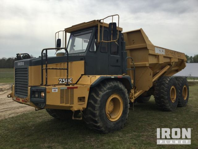 John Deere 250C Articulated Dump Truck in Angier, North