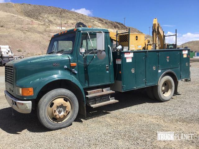 1999 International 4700 S/A Service Truck w/ Crane in Sparks, Nevada