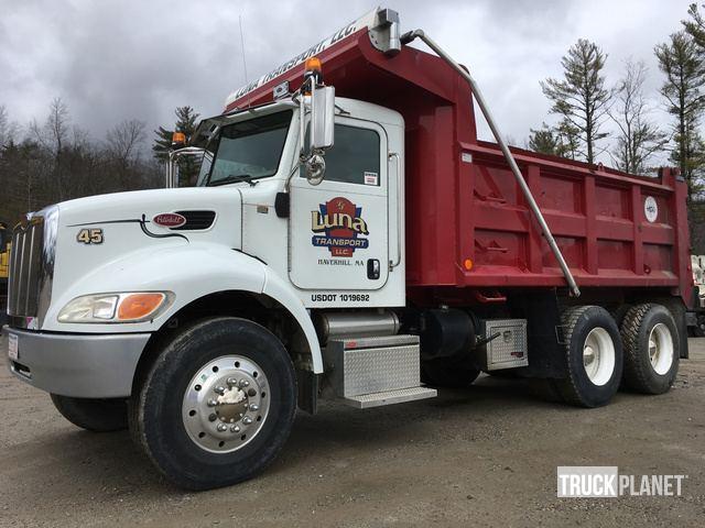 2006 Peterbilt 335 T/A Dump Truck in Windham, New Hampshire, United