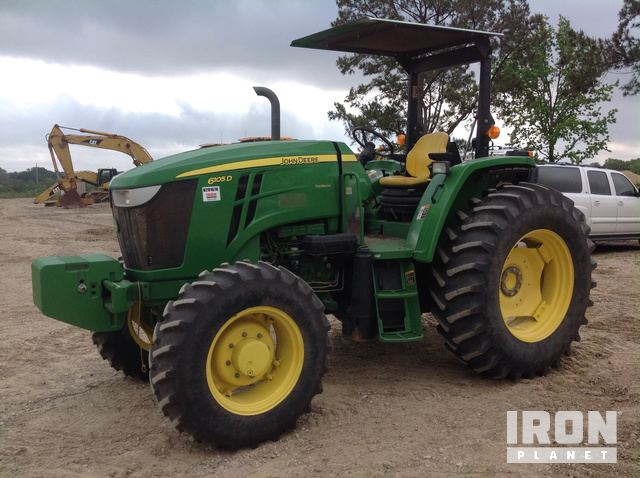2014 John Deere 6105D 4WD Tractor in Beaumont, Texas, United States