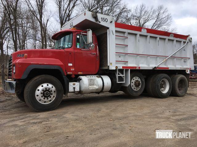 2000 Mack RD688S Tri/A Dump Truck in Bristol, Connecticut, United