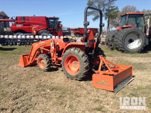 2015 Kubota L3301D 4WD Tractor in Cleveland, Mississippi