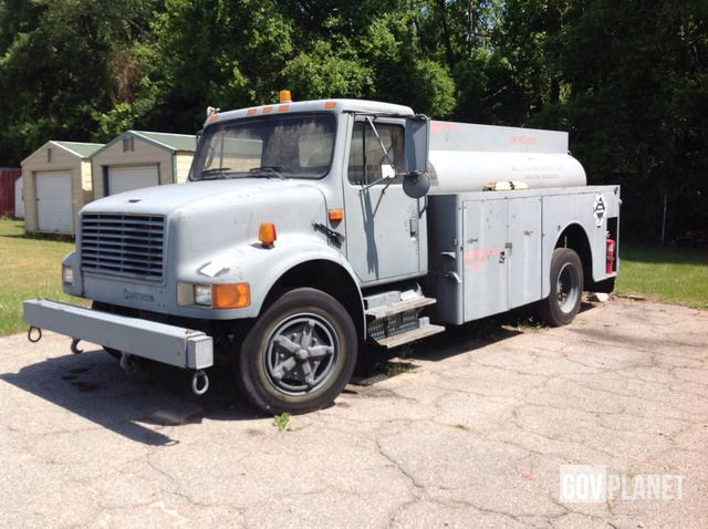 Surplus 1993 International 4700 4x2 Aircraft Refueling Truck
