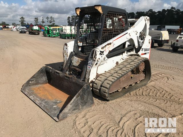 2012 Bobcat T650 Compact Track Loader in Humble, Texas