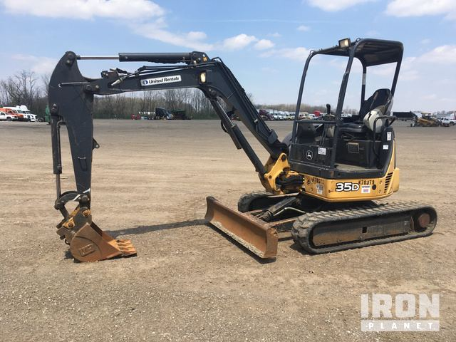 2011 John Deere 35D Mini Excavator in South Vienna, Ohio