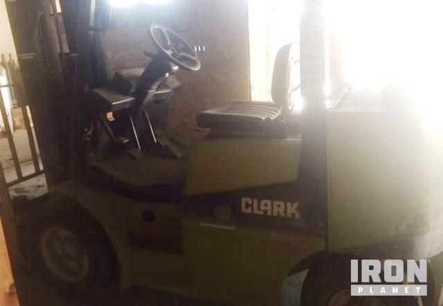 Clark CGP25 Cushion Tire Forklift In Kansas City Missouri