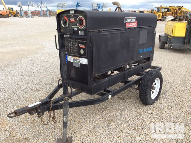 2010 Lincoln Electric Shield-Arc SAE-500 Engine Driven Welder in