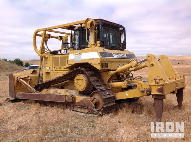 2004 Cat D7R Series II Crawler Dozer in Paicines, California, United