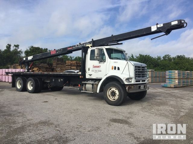 2006 Sterling 7500 T/A Flatbed Truck w/Roofing Conveyor in