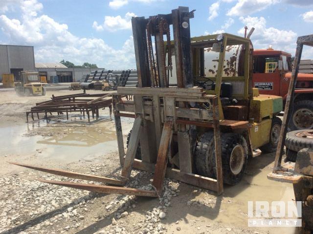 Clark C500-Y155 Pneumatic Tire Forklift in Topeka, Kansas