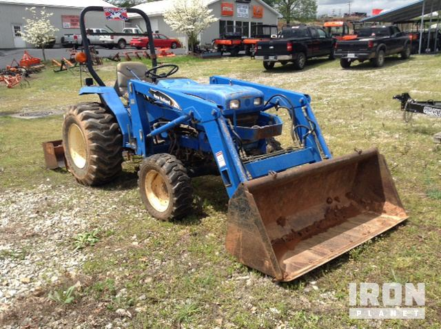 2004 New Holland TC30 4WD Tractor in Rocky Mount, Virginia
