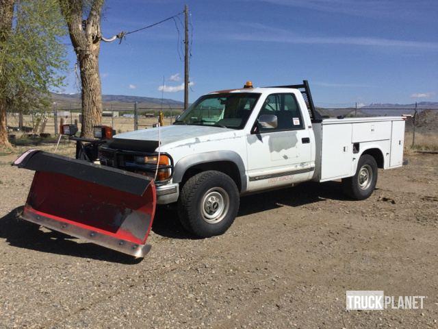 1994 Chevrolet Silverado 3500 4x4 Snow Plow Truck in Gunnison