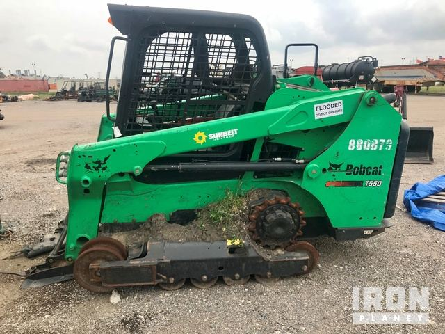 2016 Bobcat T550 Compact Track Loader in Humble, Texas