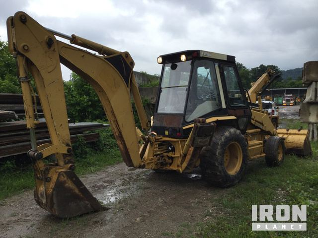 Cat 416B Backhoe Loader in Winfield, West Virginia, United States