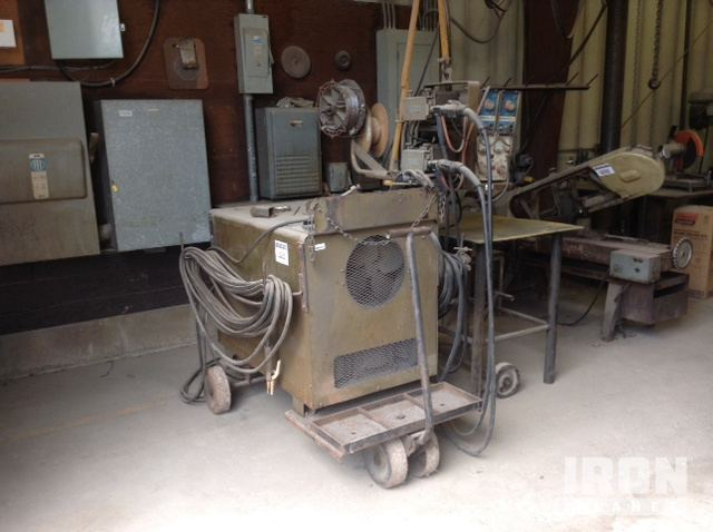 Hobart RCC-610 Electric Welder w/Wire Feed in Lakeville