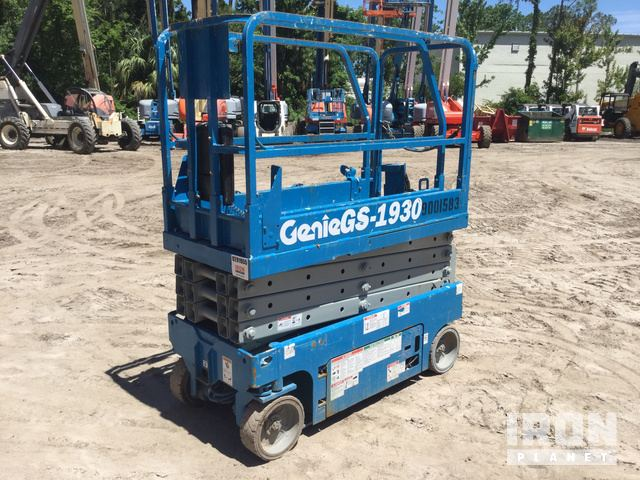 Genie GS-1930 Electric Scissor Lift in Daytona Beach, Florida