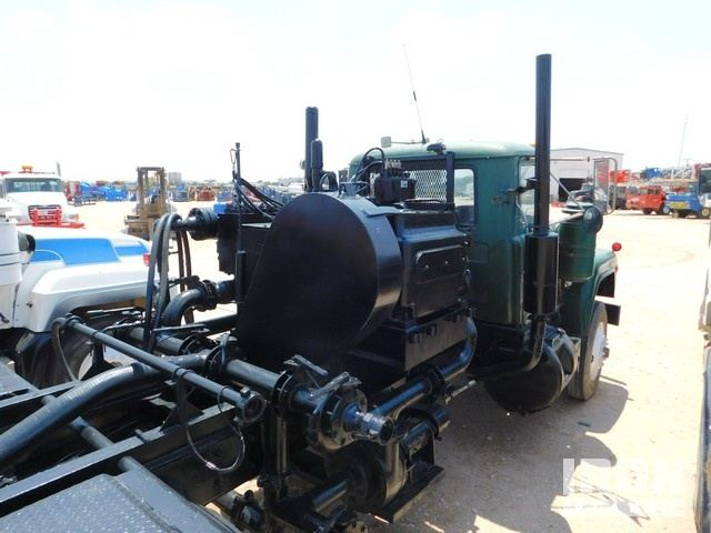 MACK T/A Kill Truck p/b 6-Cyl Diesel Eng, 5x2 Tr… in Odessa