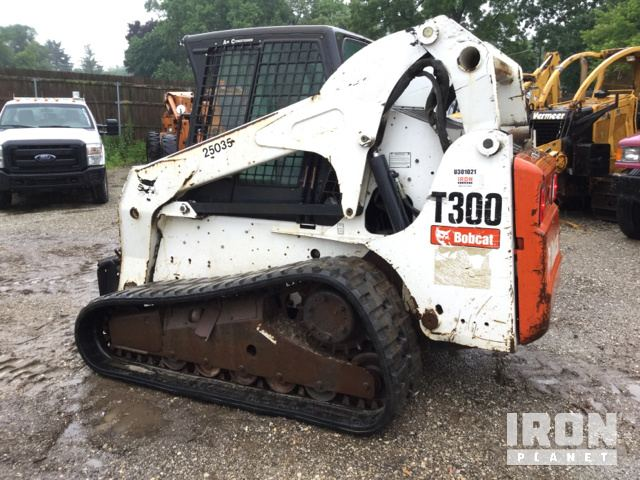 2009 Bobcat T300 Compact Track Loader in Libertyville