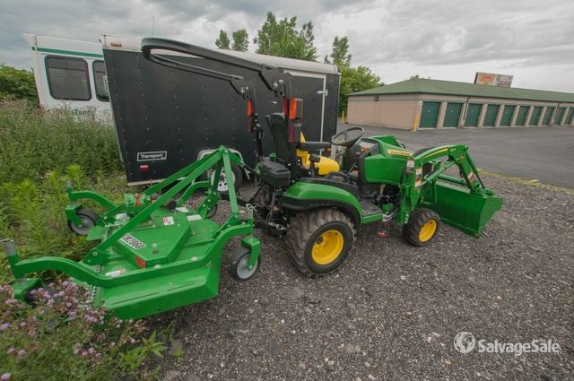 2018 John Deere 1025R Utility Tractor in South Bend, Indiana