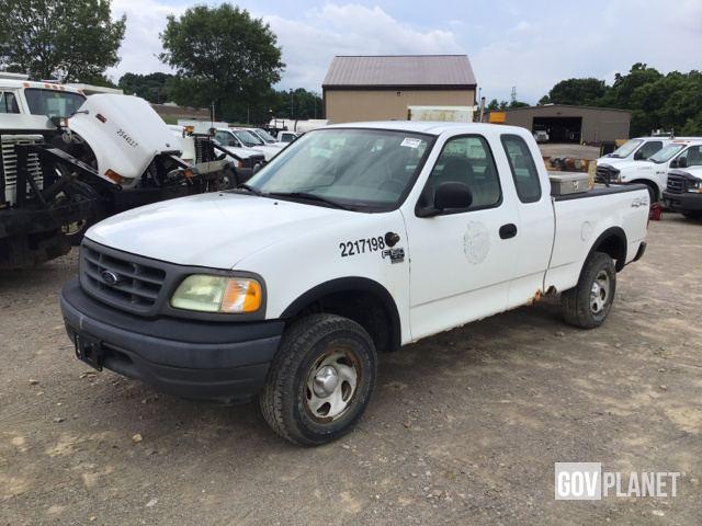 2003 Ford F 150 1/2 Ton Pickup Truck   2217198 / D5 15