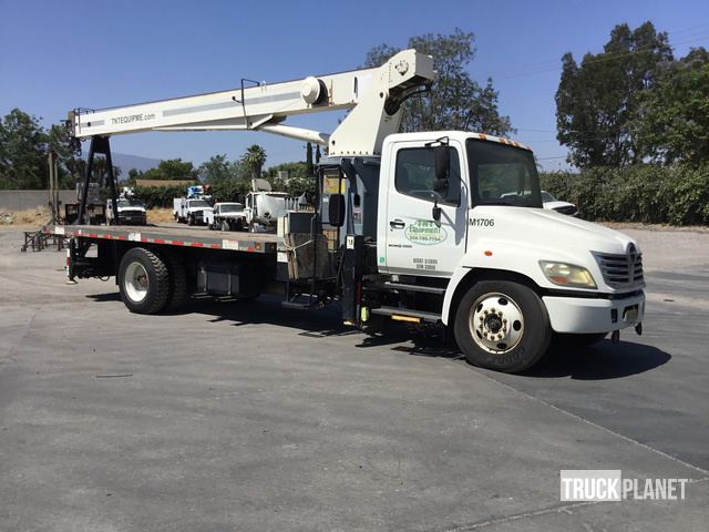 Terex BT3470 Straight Boom on 2006 Hino 338 S/A Truck in
