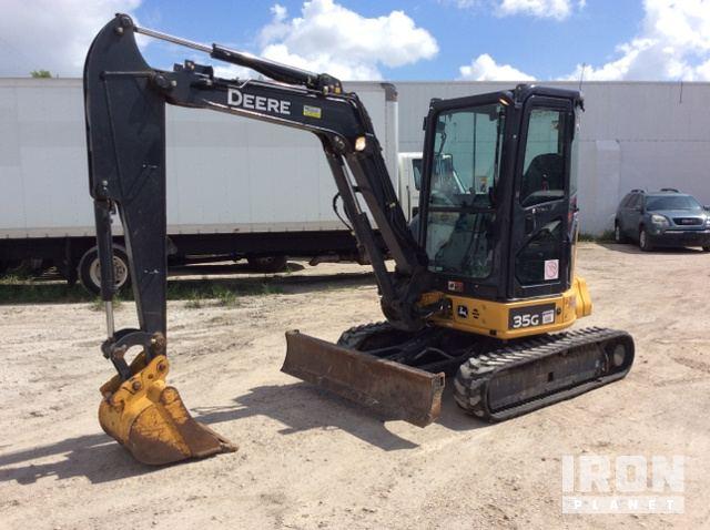 2015 John Deere 35G Mini Excavator in Pasadena, Texas