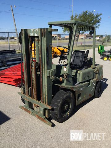 Surplus Hyster H40-XL-MIL Pneumatic Tire Forklift in Fort Sill