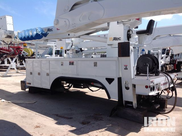 Altec D3060TR Digger Derrick w/ Utility Body in Fort Worth