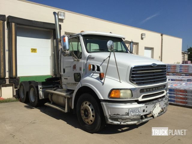 2006 Sterling AT9500 T/A Day Cab Truck Tractor in Sioux Falls, South