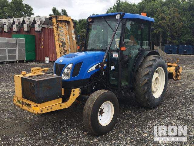 2007 New Holland TN75DA 2WD Tractor in Newark, Delaware