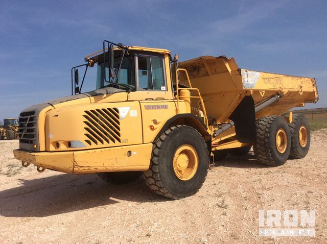 2005 Volvo A30D Articulated Dump Truck in Lubbock, Texas