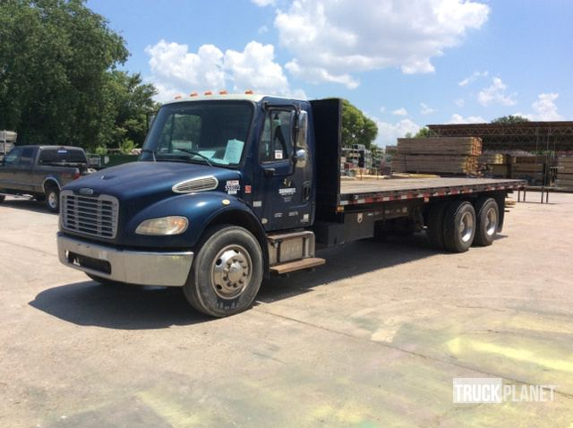 2007 Freightliner M2 106 T/A Flatbed Truck in Pasadena, Texas