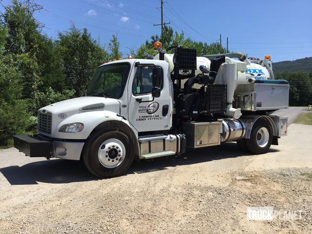 Vactor HXX Paradigm Vacuum Excavator on 2017 Freightliner M2