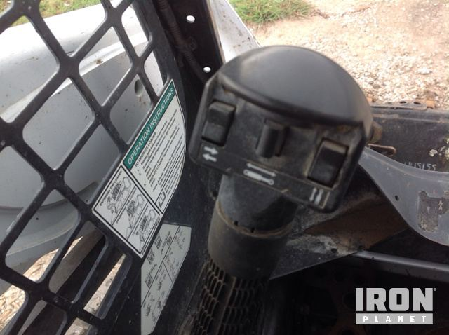 2015 Bobcat T590 Compact Track Loader in Garland, Texas, United