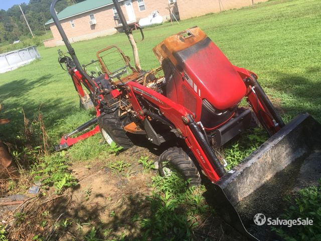 2015 Massey Ferguson GC1720 4WD Utility Tractor in South