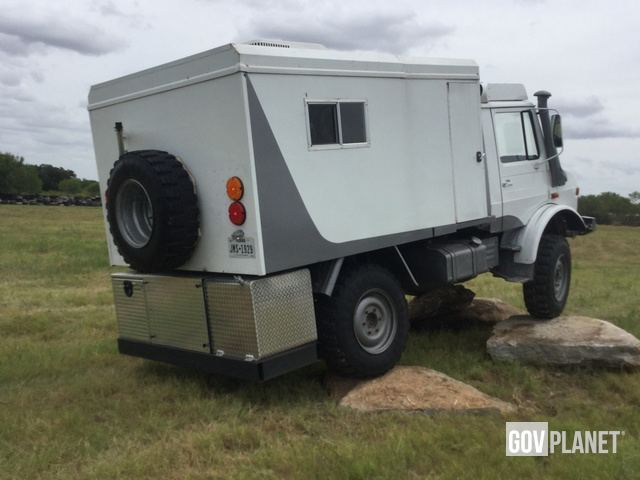 Surplus 1986 Mercedes-Benz Unimog 435 4x4 Cargo Truck in Atascosa